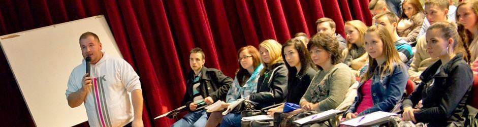 Andrej Brník a študenti FMK v kine OKO