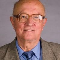 Profilové foto: Dr. h. c. prof. PhDr. Juraj Vojtek, CSc.